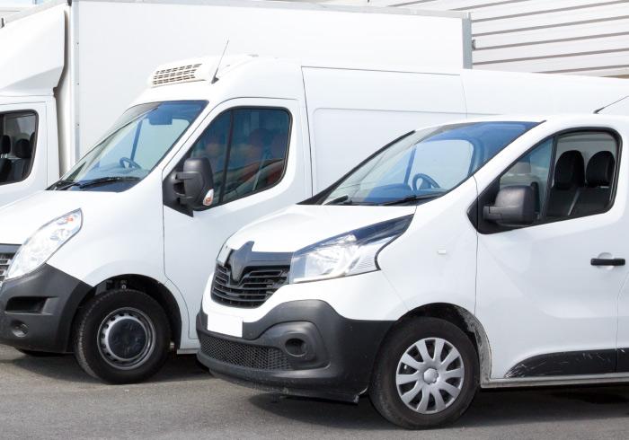 flotte-de-camions-livraison-de-vaisselle-et-materiel-de-reception